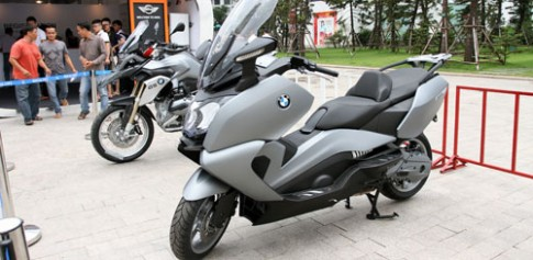 Cận cảnh cặp đôi hoàn hảo BMW R1200GS và C650GT