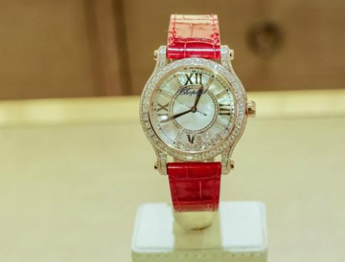 Cận cảnh đồng hồ 1,5 tỷ đồng của Chopard