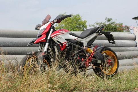 Cận cảnh Ducati Hyperstrada độ siêu khủng của biker Nha Trang