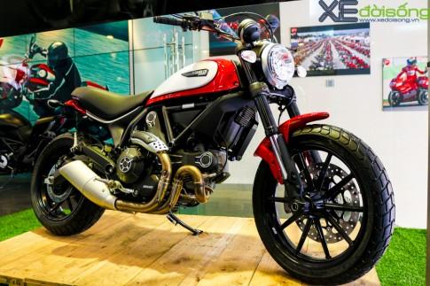 Can canh Ducati Scrambler Icon mau do dau tien tai Viet Nam