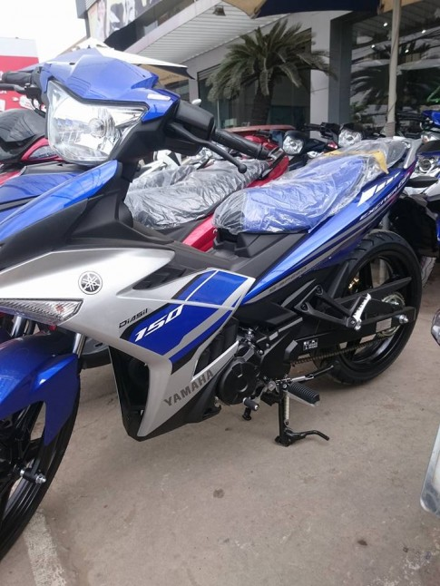 Can canh Exciter 150 GP 2016 ngoai dai ly