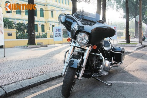 Can canh Harley-Davidson Street Glide gia 1,1 ty tren pho Sai Thanh