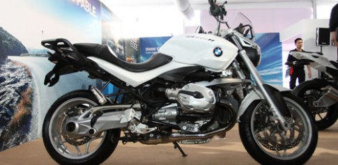Can canh R1200R duoc trung bay tai BMW World Xpo '14