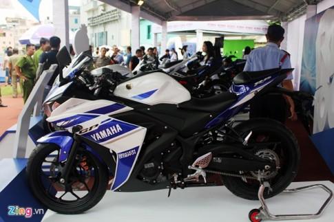 Cận cảnh Yamaha R25 xanh GP đầu tiên xuất hiện tại Sài Gòn