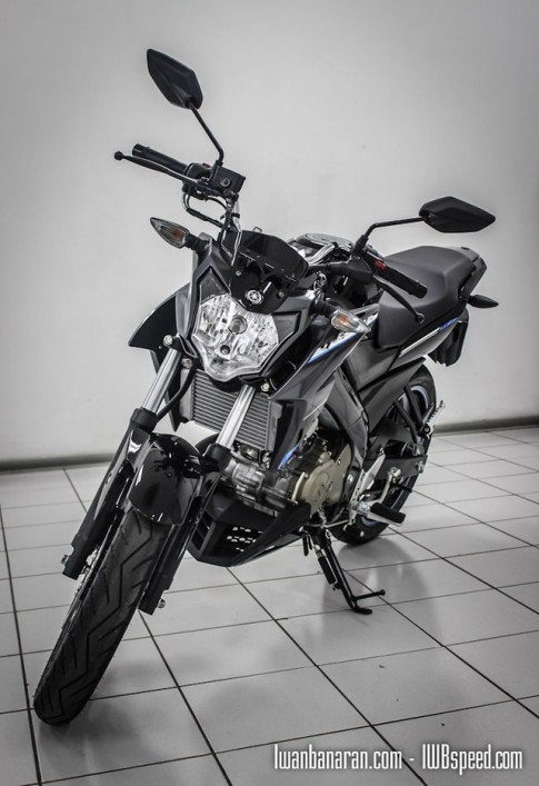 Cận cảnh Yamaha V-ixion 2015 phiên bản thường vừa ra mắt