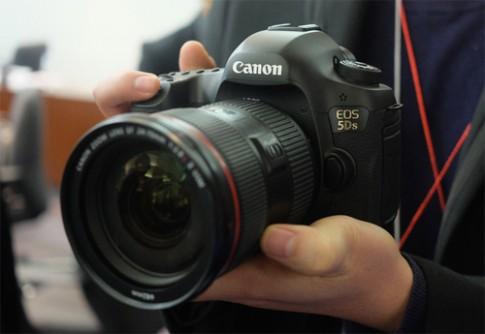 Canon EOS 5DS se co gia 85 trieu dong