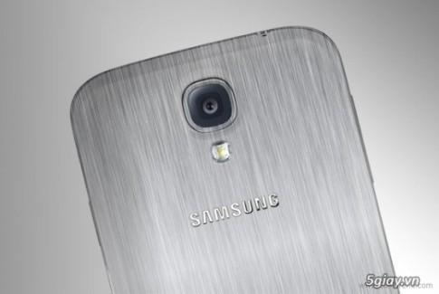 "CEO JK Shin: Samsung van trung thanh voi ""do nhua"""