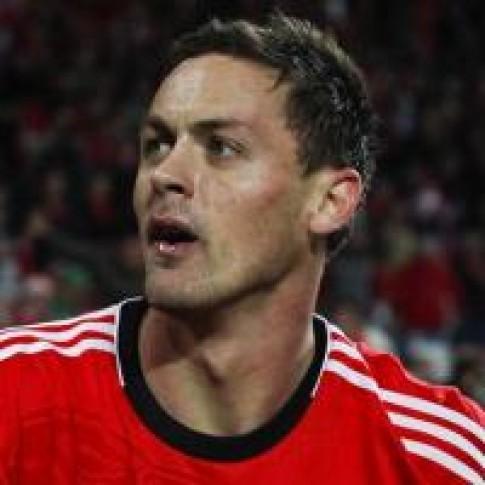 Chelsea mua lai Nemanja Matic tu Benfica