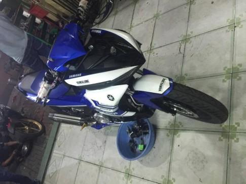 Chiec Exciter 150 do style Yamaha M1 bo di he thong phun xang dien tu