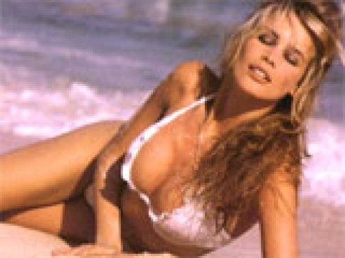 Claudia Schiffer bat mi ve cuoc doi sieu mau