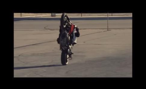 [Clip] Ducati Hypermotard 1100 drift dien cuong