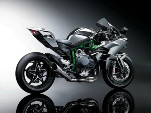 [Clip] Phô diễn sức mạnh trên đường chạy thử với Kawasaki Ninja H2R