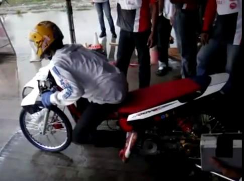 [CLip] Yamaha nouvo chay Drag Thailand