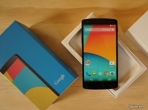 Cuoi nam, Nexus 5 chinh hang lai giam them 1 trieu