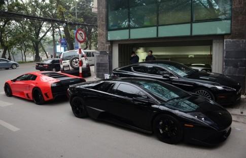 Đại gia chơi siêu xe, xe sang theo cặp ở Hà Nội