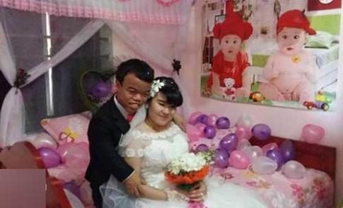 Dam cuoi cua 'Bach Tuyet-Chu lun' gay sot mang