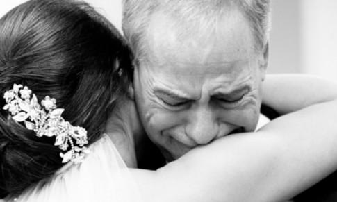 Đẫm nước mắt với lời cha dạy con gái cách chọn chồng