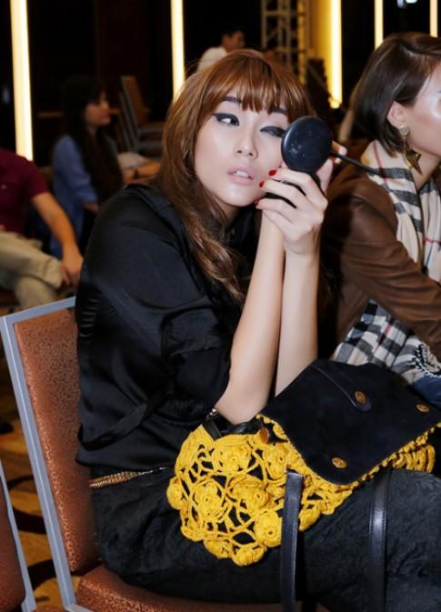 Dan chan dai tat bat tap luyen cho show Hoang Hai