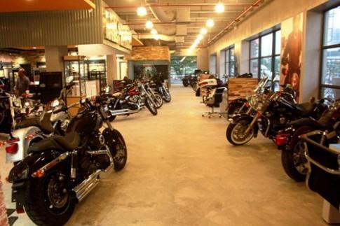 Dan moto Harley- Davidson model 2014 khoe dang o Sai Gon