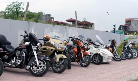 Dàn môtô PKL quy tụ Showroom Harley-Davidson tại Hà Nội