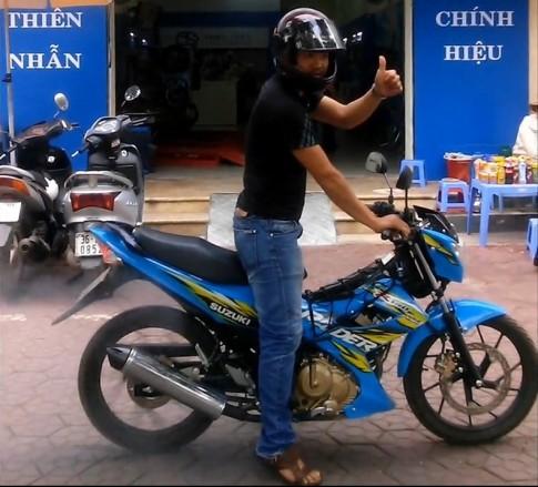 Đắng lòng nam thanh niên đi Raider Việt Nam bị gái dụ đốt lốp