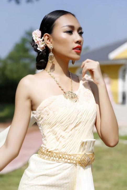 Dieu Huyen hoa thanh co gai Thai
