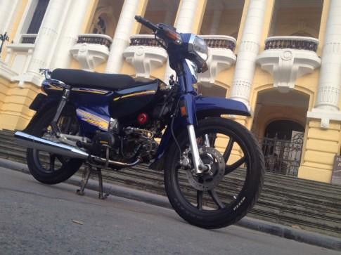Dream độ màu xanh cực chất của một biker ở Hà Thành