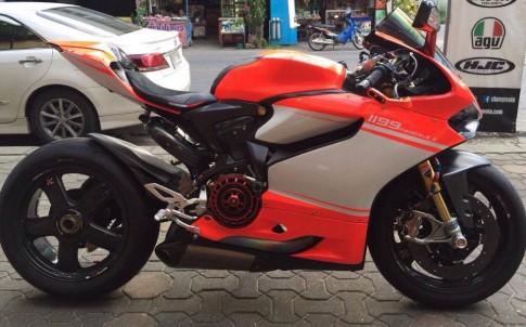 Ducati 1199 Panigale S do sieu khung voi dan do choi khung