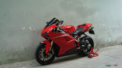 Ducati 848 EVO voi phien ban do day phong cach