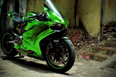 Ducati 899 Panigale bản độ màu Chrome cực ấn tượng
