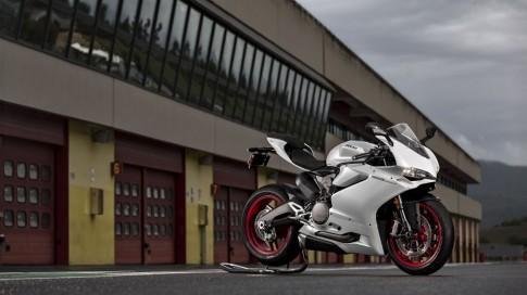 Ducati 959 Panigale chinh thuc ra mat voi gia gan 450 trieu dong