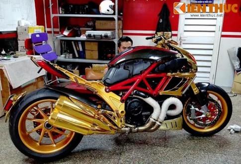 Ducati Diavel ma vang 24k kich doc tai Ha Noi