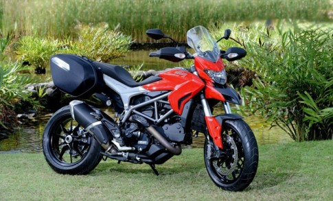 Ducati Hyperstrada gia 400 trieu tai Viet Nam