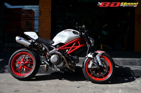 Ducati Monster 796 S2R do khoe dang tai Thai Lan
