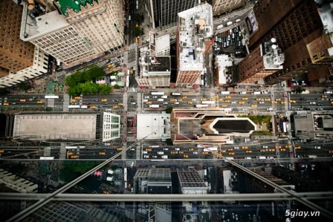 Duong pho New York City nhin tu nhung toa nha cao tang
