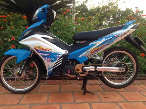 Exciter 135 Oggy nhe nhang voi banh cam