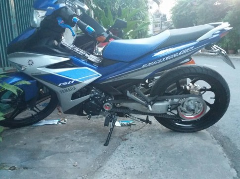 Exciter 150 do 1 gap NSR chay bang day curoa