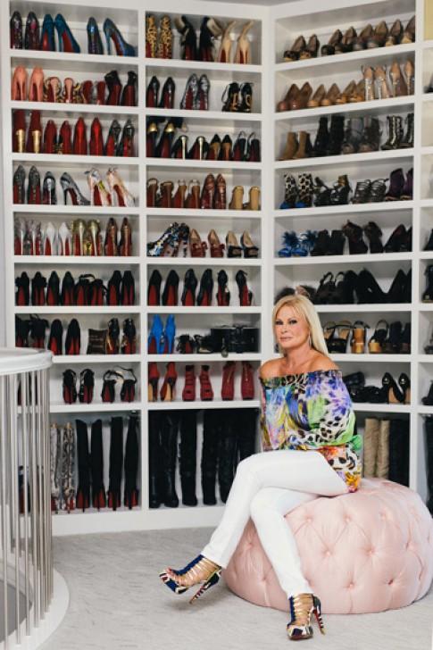 Fashionista chia sẻ cách sắp xếp tủ đồ 300 m2