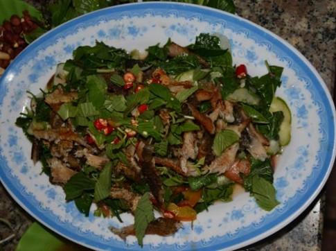 Goi sau dau - vi dang me hoac thuc khach den Chau Doc