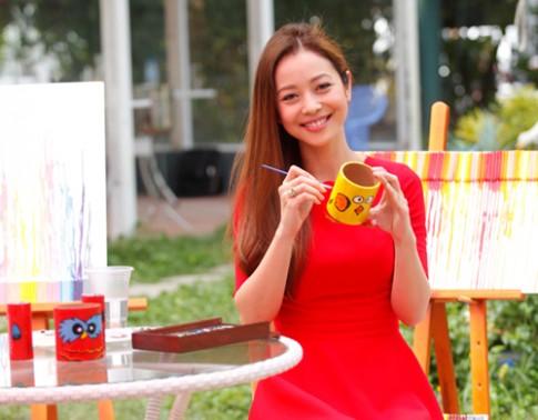 Ha Tang, Jennifer Pham trang diem dep nhat tuan