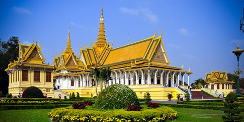 Hanh trinh kham pha dat nuoc Chua Thap bang Limo Bus