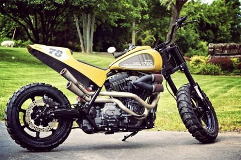 Harley-Davidson Fat Tracker tu duong truong vao duong dua