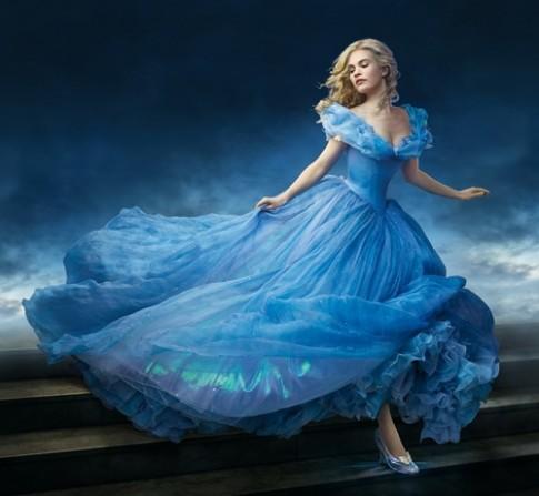 Hau truong thiet ke trang phuc ky cong cua 'Cinderella'