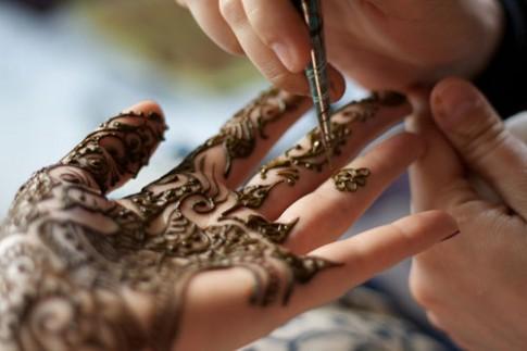 Henna, nhung hinh xam truyen thong giau nghe thuat