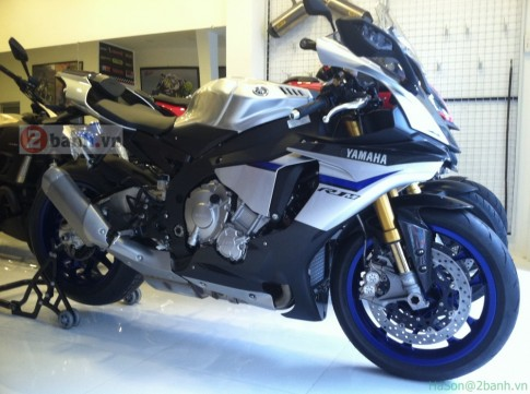 Hinh anh va clip sieu moto Yamaha R1M tai Sai Gon