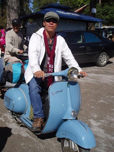 Hinh anh ve Cau lac bo Vespa co Binh Dinh