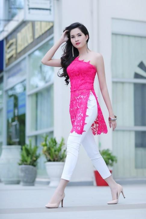 Hoa hau Thu Thao dien ao dai cach dieu