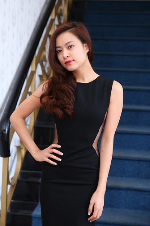 Hoang Thuy Linh, Ngoc Anh trang diem dep nhat tuan