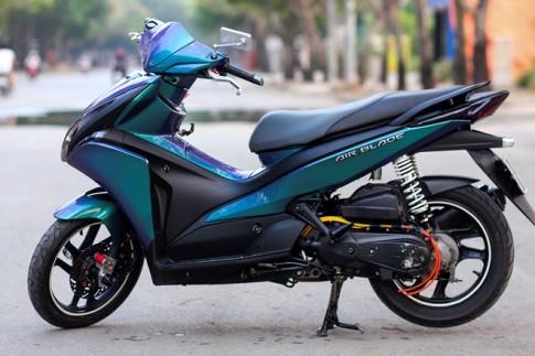 Honda AirBlade 110 Sơn đổi màu theo góc nhìn tại Sài Gòn