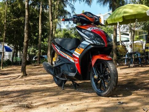 Honda AirBlade 125 độ tuyệt đẹp với phong cách Repsol